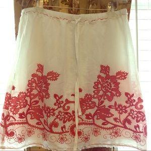 Dresses & Skirts - White linen embroidered high end skirt BoHo Xmas !
